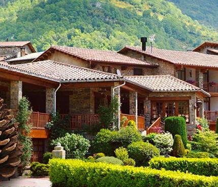 Hotel rural con encanto en los pirineos hotel la coma - Hotel en ronda con encanto ...
